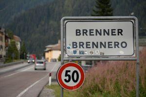 Migranti, l'Austria dà il via ai lavori per la barriera al Brennero