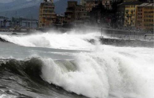 Il maltempo flegella la Sicilia, un morto. Paura anche in Calabria