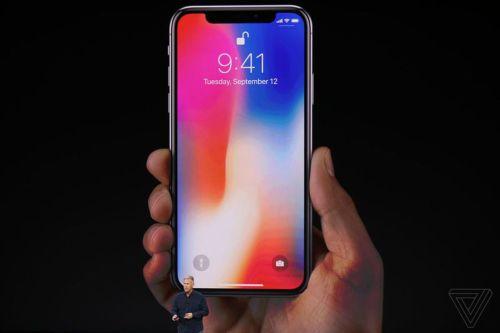 258b06824b4 Apple svela l'iPhone X, ma il nuovo smartphone sarà in vendita solo dal