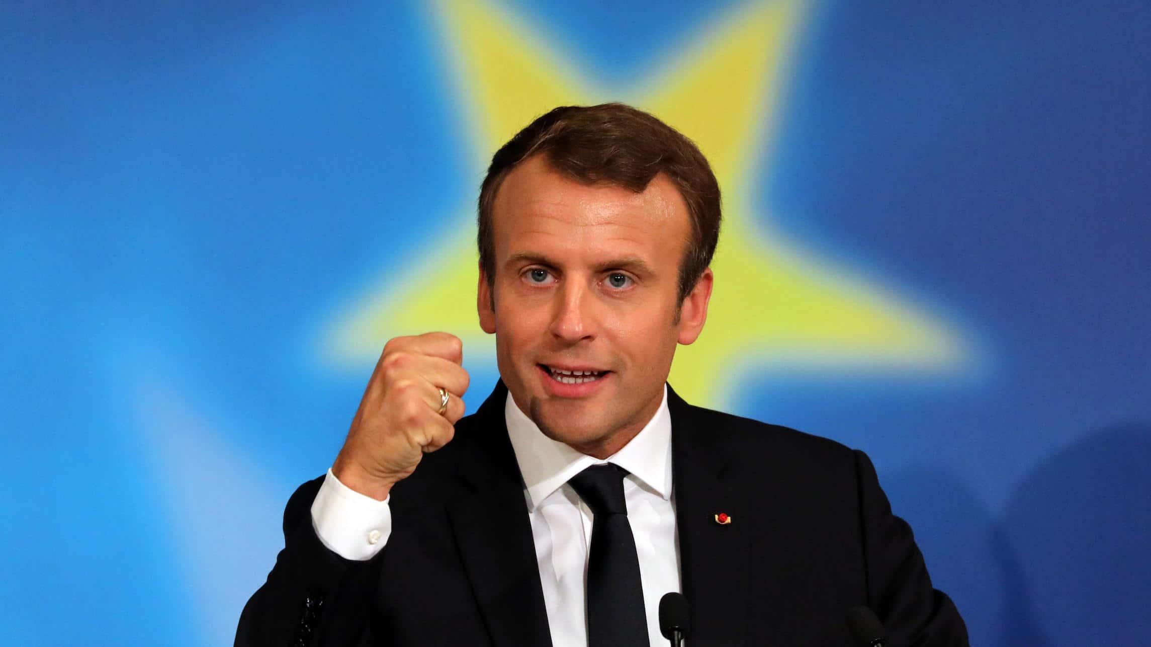 48effd4f2a Francia, Macron annuncia il reddito universale di attività contro la ...