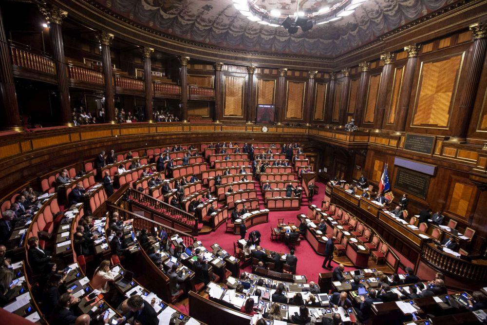 Riduzione dei parlamentari primo s dal senato for Numero parlamentari italia