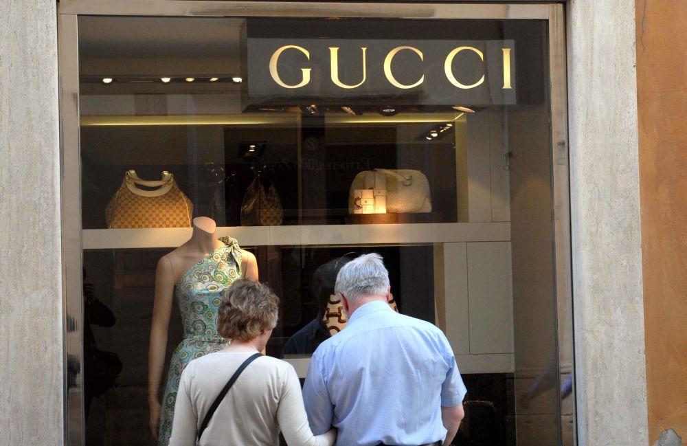 eb5048a75c L'Agenzia delle entrate ha chiuso con il gruppo Kering (società che  controlla oltre Gucci, marchi come Yves Saint Laurent, Pomellato, Alexander  McQueen, ...